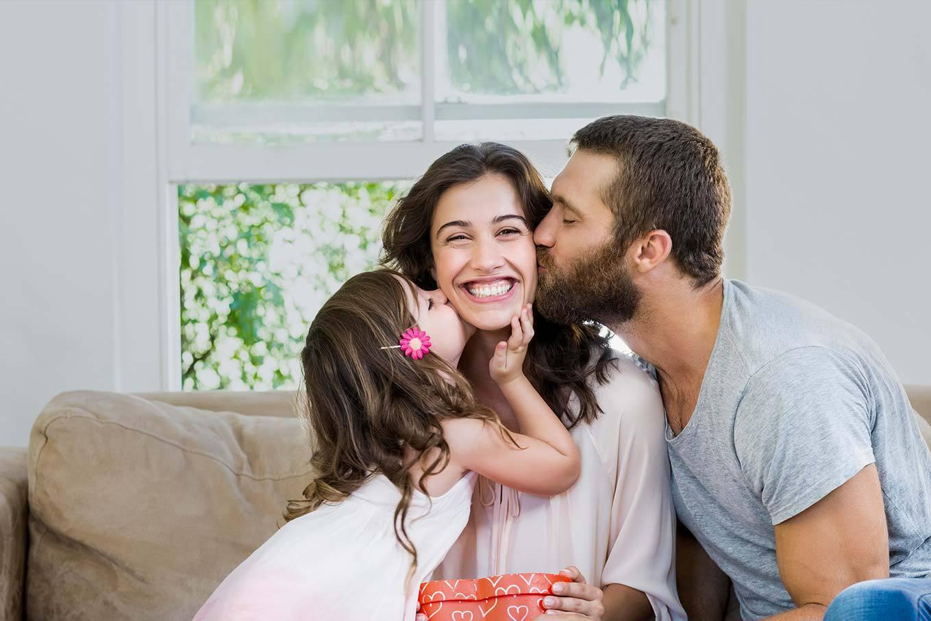 Ser madre es una Experiencia <br/> que merece ser <br/> Recompensada